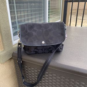Coach messenger bag for Sale in San Bernardino, CA