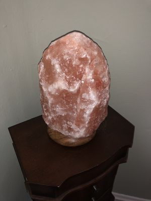 Giant Himalayan crystal salt lamp NEW for Sale in Sharon, CT