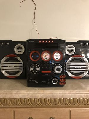Philips 5 disc cd changer/am-fm radio/ auxiliary connect for Sale in Bedford, TX
