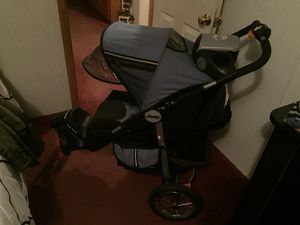 Jeep Liberty Limited Urban Terrain Jogger Stroller w/ Auxiliary Speakers for Sale in Ashley, OH