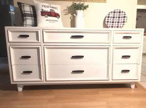 Beautiful Farmhouse 9 Drawer Dresser for Sale in Phoenix, AZ