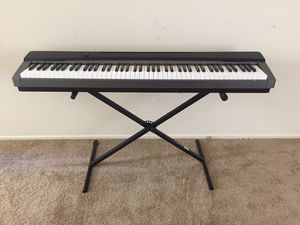 Casio Privia PX-130 88-Key Digital Piano Keyboard w/ stand for Sale in Daly City, CA