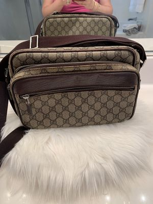 Authentic Gucci crossbody bag for Sale in Oakley, CA