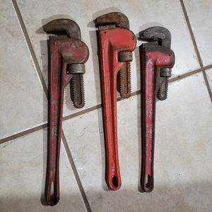 """18"""" pipe wrench for Sale in Fresno, CA"""