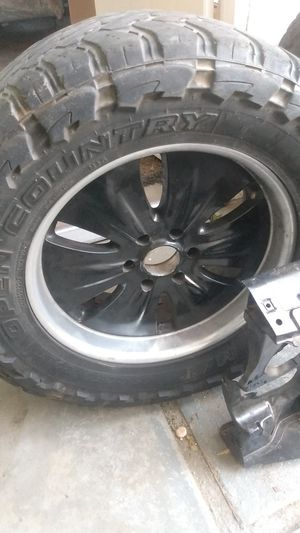 wheels and tires 35x12.50x20 6 lug Chevy for Sale in Banning, CA