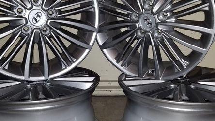 "Nice! Alloy Wheels 17"" Silver Hyundai KONA 2020 for Sale in West Linn,  OR"