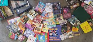 So many books!! for Sale in East Wenatchee, WA