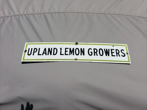 Scarce World War II Era Upland Lemon Growers Porcelain Sign Excellent Condition for Sale in Alta Loma, CA