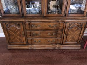 Dining room table and china dresser for Sale in Foresthill, CA