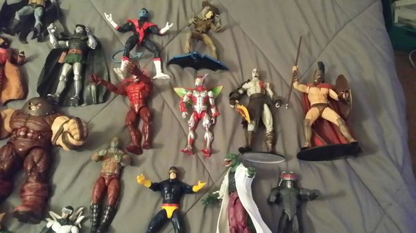 Lots of 26 Marvel action figures also have Falcon predator not pictured selling as a group I will not separate figures