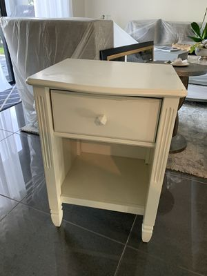 Pottery barn kids one nightstand for Sale in Miami, FL