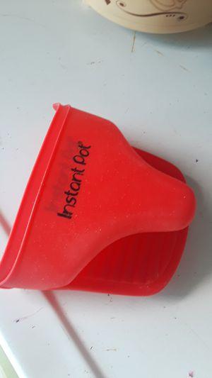 Instant pot glove for Sale in Manteca, CA