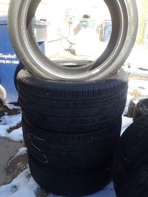 255/40 19 set of 4 pirelli tires for Sale in Southgate, MI