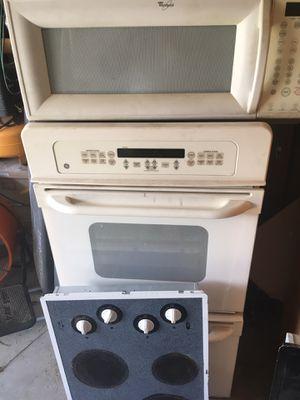 GE Whirlpool White Kitchen Appliances for Sale in Miramar, FL