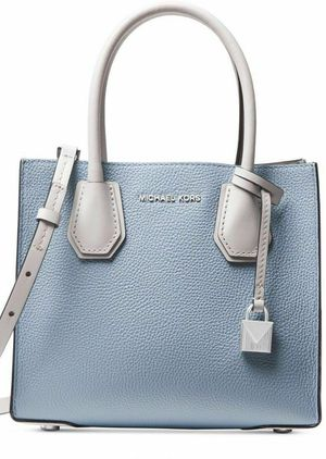Michael Kors Women's Mercer Tote (Pale Blue/White/Alum) for Sale in Virginia Beach, VA