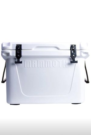 Mammoth Cooler Ranger 45qt for Sale in Dearborn, MI