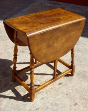 Stickley drop leaf butterfly table and 'shaving mirror' for sale for Sale in Brooklyn, NY