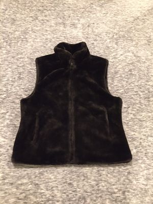 Brown faux fur vest by Blassport sz s for Sale in Seattle, WA