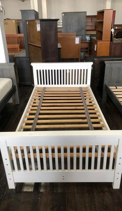 Twin Bed White SOLID WOOD made by Rooms4kids for Sale in Chicago,  IL