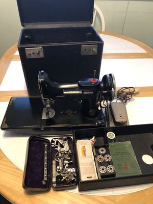 Featherweight singer sewing machine for Sale in Winter Haven, FL