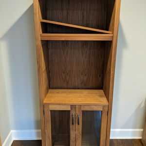 Crate and Barrel Bookcase With Adjustable Shelves for Sale in Seattle, WA