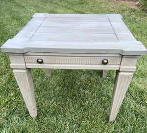Large two toned side table/ coffee table for Sale in Bellevue, TN