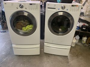 Set of washer and electric dryer LG like new conditions for Sale in Fresno, CA