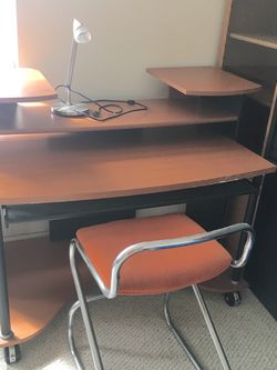 Computer Table for Sale in Pompano Beach,  FL