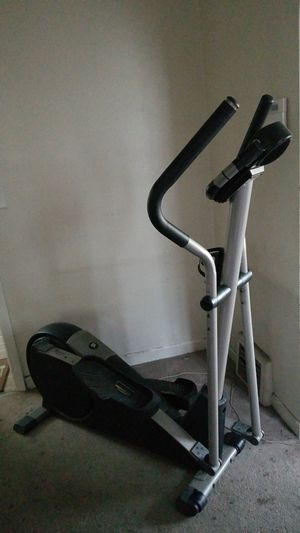 Pro form CardioCross Trainer 800 for Sale in Chicago, IL
