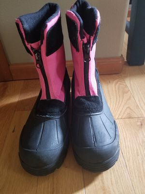 Northside big girls size 5 (women size 7) snow boots for Sale in Renton, WA