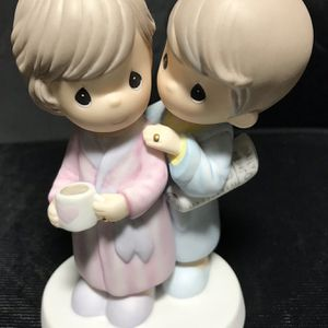"""Precious Moments Hamilton Collection Golden Years of Love """"Still Stealing Kisses Whenever I Can"""" for Sale in Irvine, CA"""