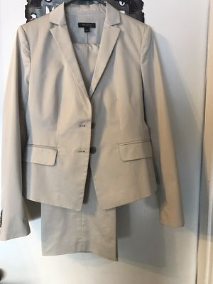 New, never worn Ann Taylor pant suit for Sale in Buckeye, AZ