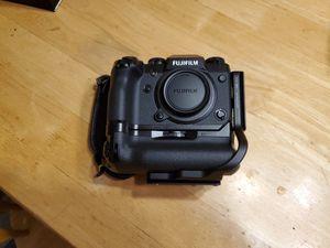 Fujifilm X-H1 w/ Vertical Grip and L Bracket for Sale in Milwaukie, OR