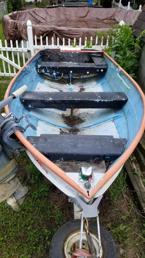 12 foot aluminum fishing boat for Sale in New Brighton, PA