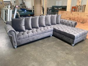 Sofa for Sale in Compton, CA