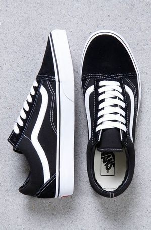 Shoes VANS 6.5 and 7.0 women and 5.5 men NEWS for Sale in Rancho Dominguez, CA