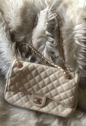 Chanel large CC classic flap! Grained calfskin Gold tone chain shoulder or Crossbody handbag! for Sale in Las Vegas, NV