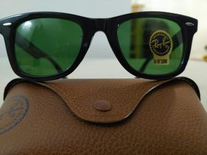 Brand New Authentic RayBan Wayfarer Sunglasses for Sale in Los Angeles, CA