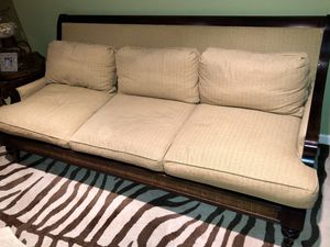 Beautiful Colonial Sofa for Sale in Boca Raton, FL