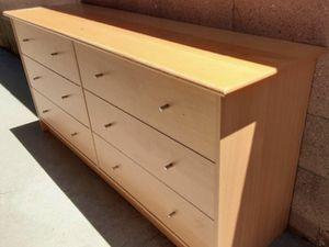 Mueble de madera sólida con 6 cajones for Sale in Los Angeles, CA