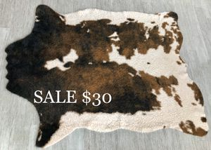 "Alexander Home 5' x 6'6"" Faux Cowhide for Sale in Mount Pleasant, SC"