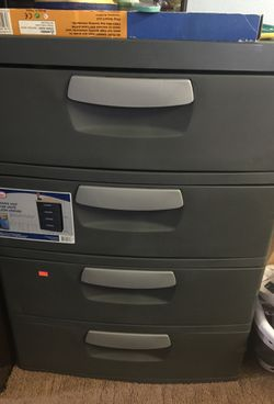 Sterilite 4 drawer unit heavy duty plastic for Sale in Brooklyn,  NY