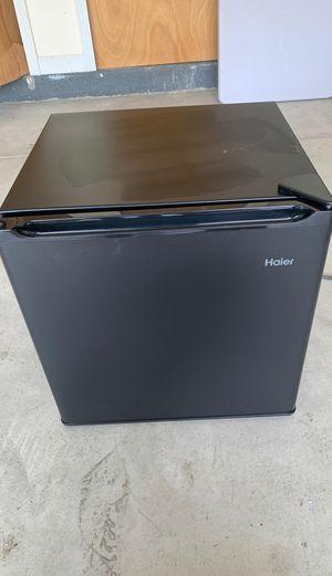 Haier refrigerator for Sale in Farmington Hills, MI
