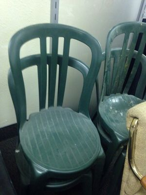 4 green lawn chairs for Sale in Caledonia, MI