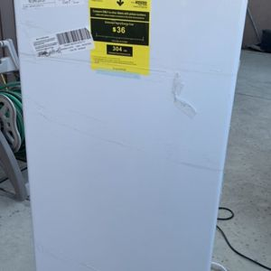 New Upright Freezer With Dent On Side Top Left Side for Sale in Bakersfield, CA
