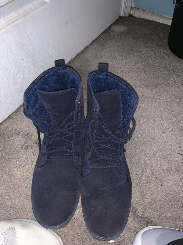Shoes size (10's)