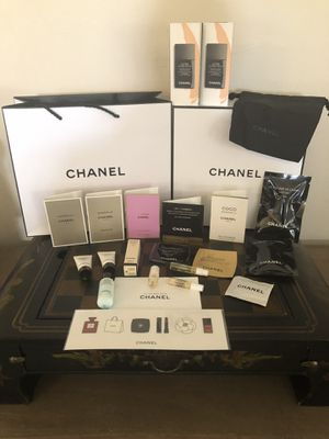 Chanel Beauty Set for Sale in Lake Worth, FL