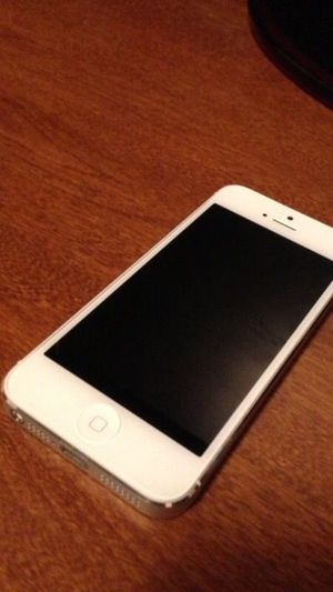 iPhone 5 selling for part got it at Verizon for Sale in San Diego, CA