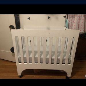 Brand New Mini Crib Woth Mattress for Sale in Glendale, CA