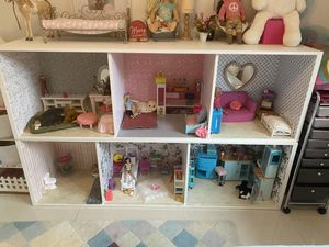 American Girl, Barbie doll house for sale, ikea furniture for Sale in Miami, FL